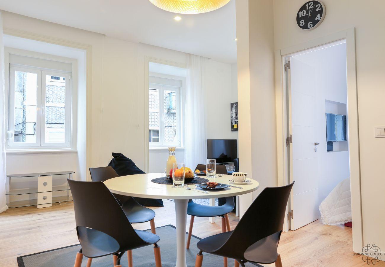 sala de acesso via sala de estar sala de jantar cozinha em Lisboa