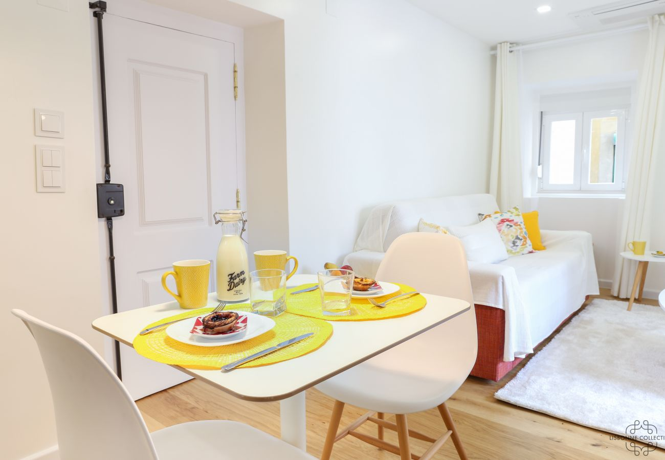 sala de jantar de luxo com tons limpos e modernos para alugar