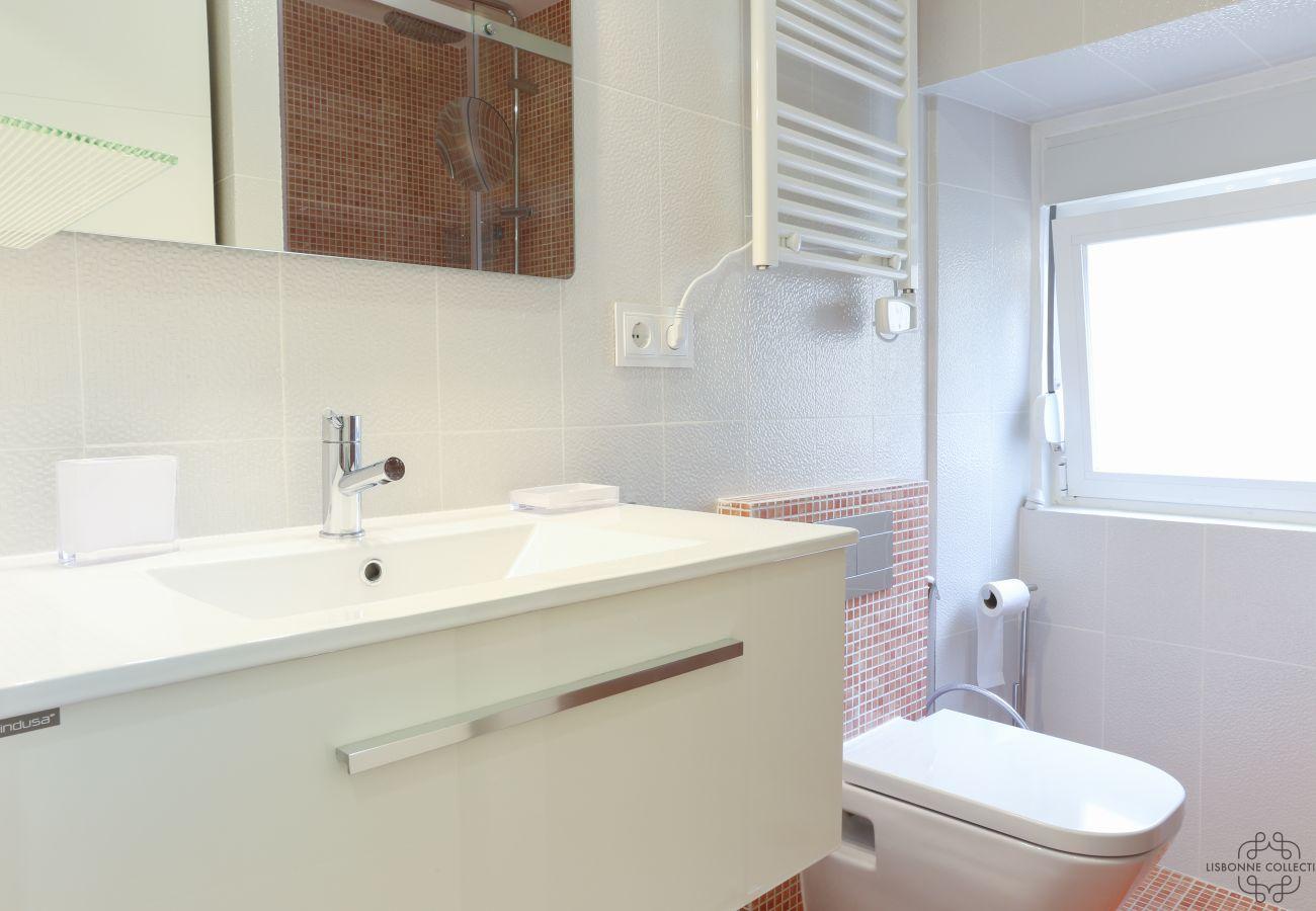 moderna casa de banho e design com chuveiro de mosaico