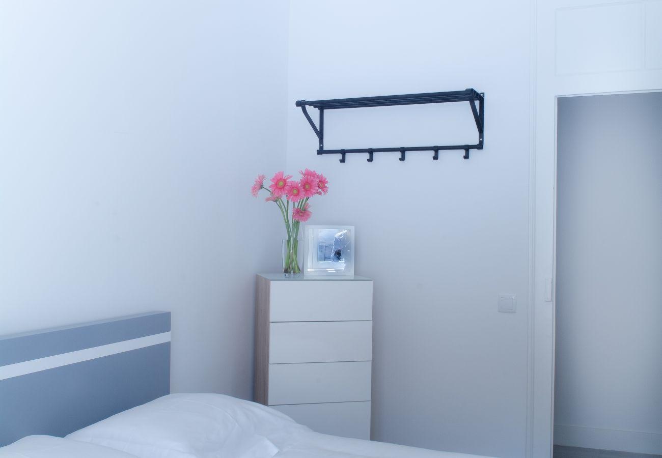 Cómoda no quarto para alugar em Lisboa no coração da cidade