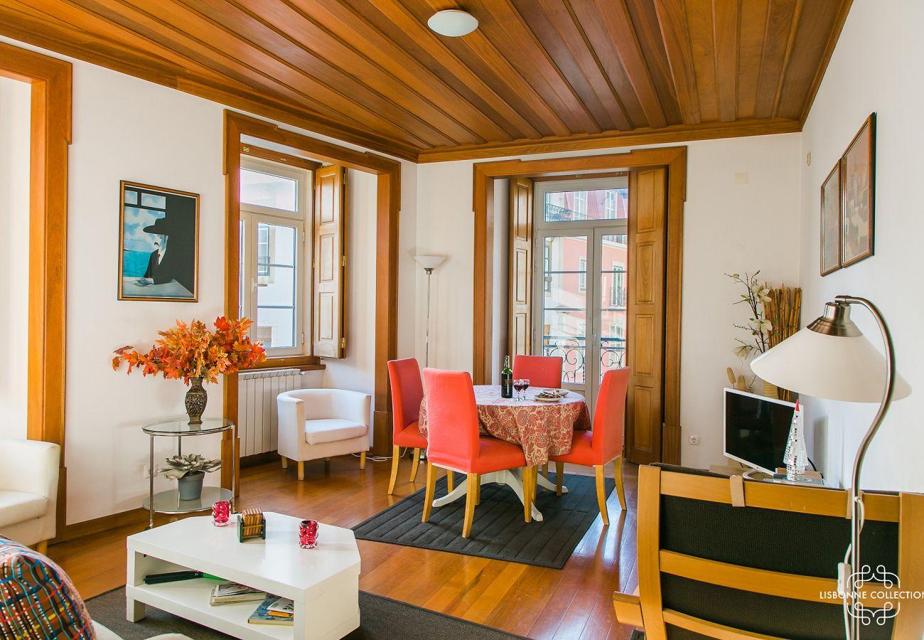 Rústica sala em um belo edifício espaçoso e agradável