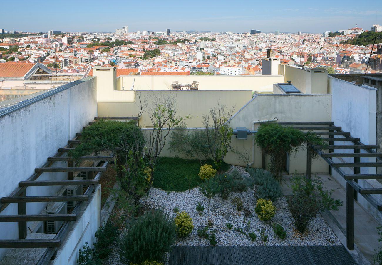 Vista do sumptuoso jardim e Lisboa no coração da cidade