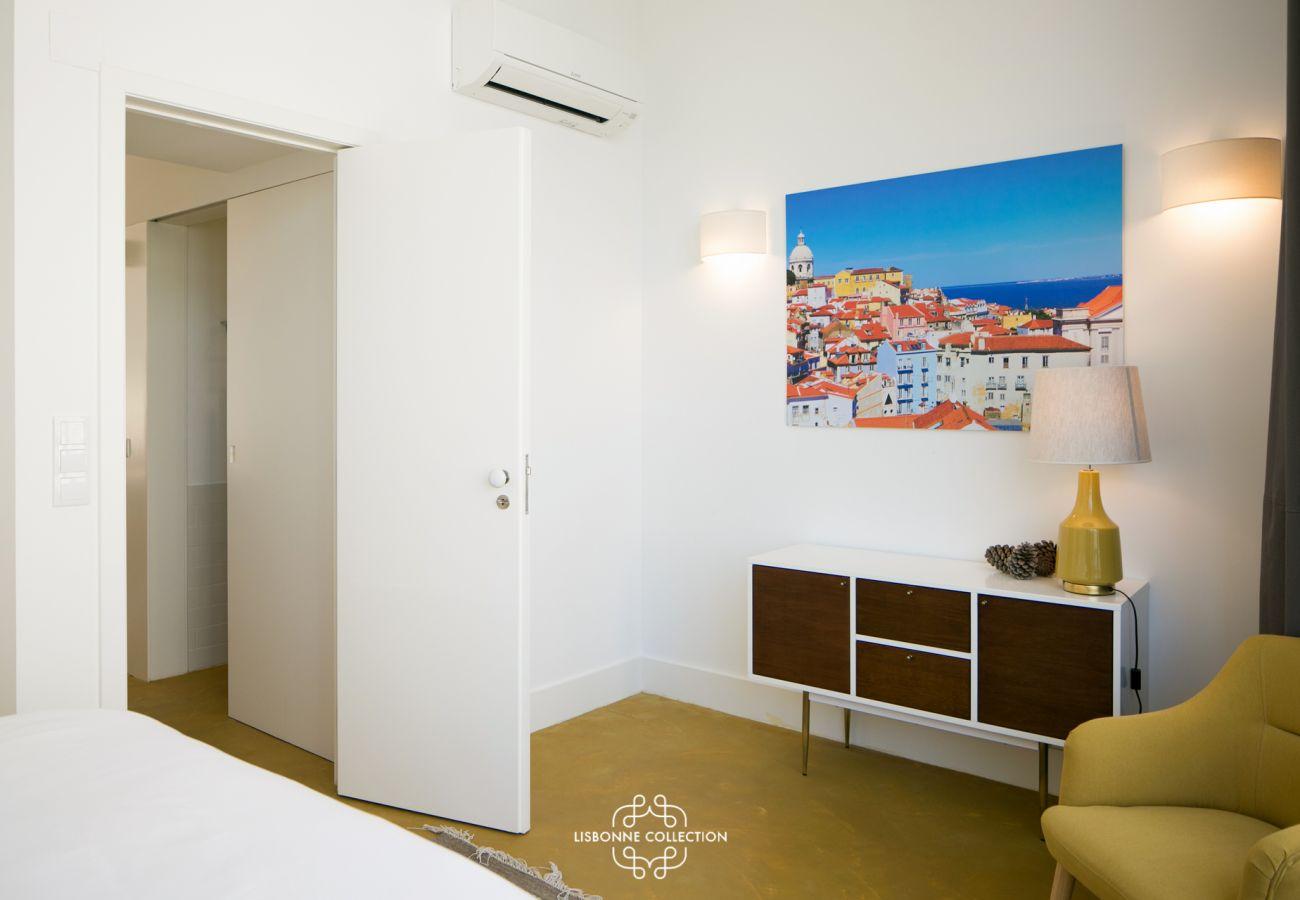 Decoração em quarto adulto para arrendamento na capital portuguesa