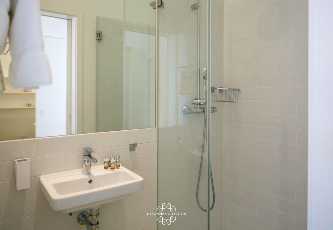 Banheiro moderno e luxuoso
