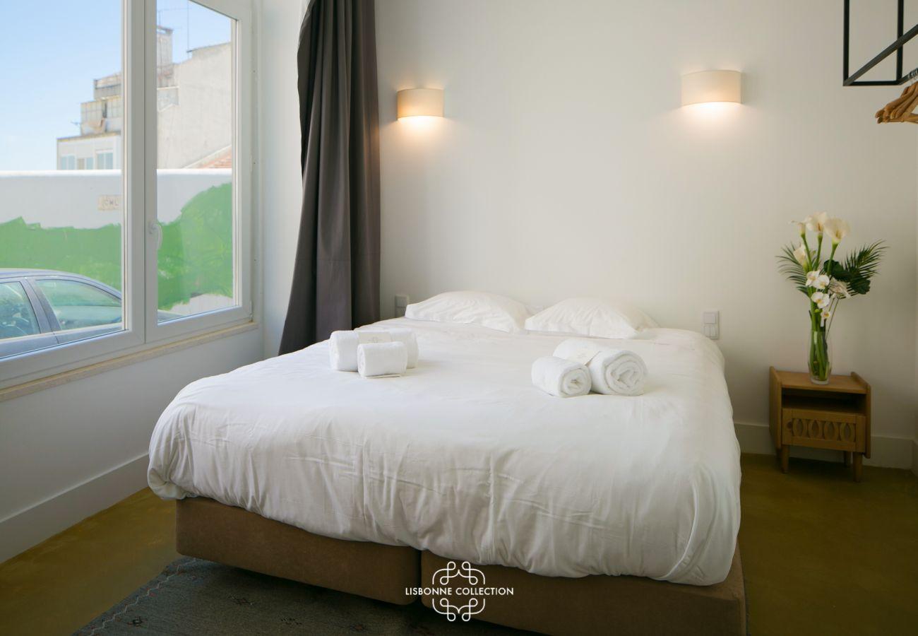 Grande quarto para 2 adultos para alugar para férias em Lisboa