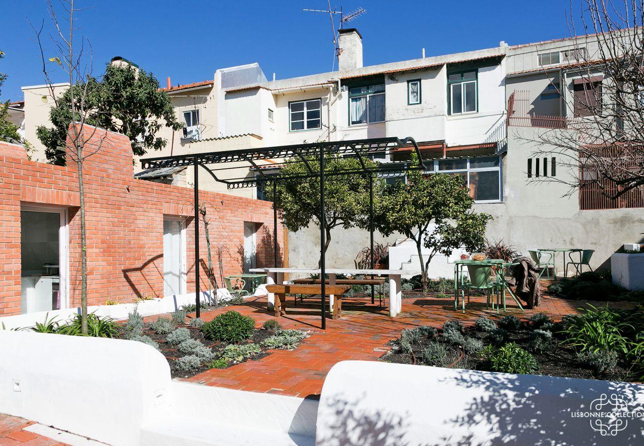 Jardinet de um apartamento alugado em Lisboa
