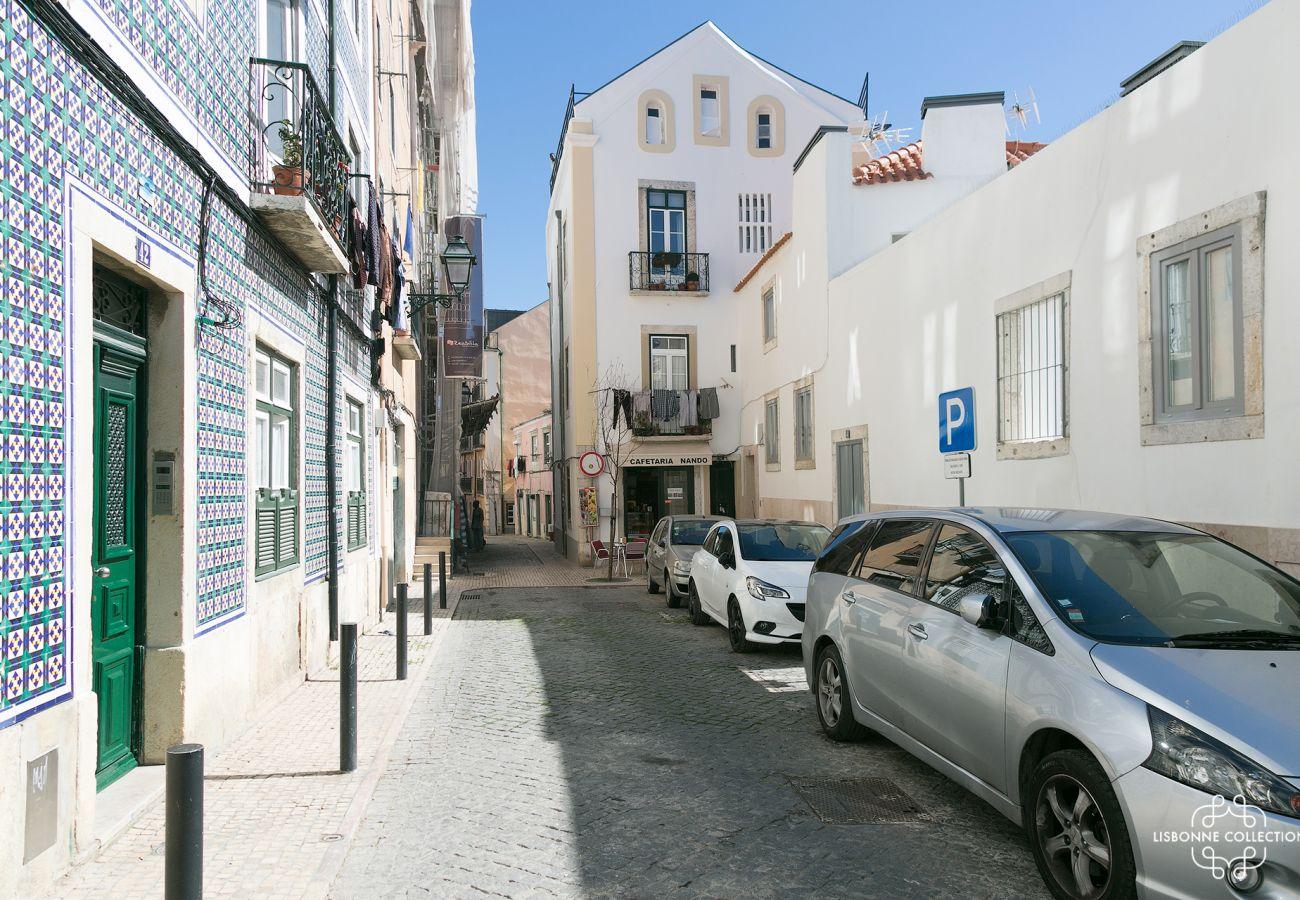 Ruas típicas de Lisboa no bairro da Graça