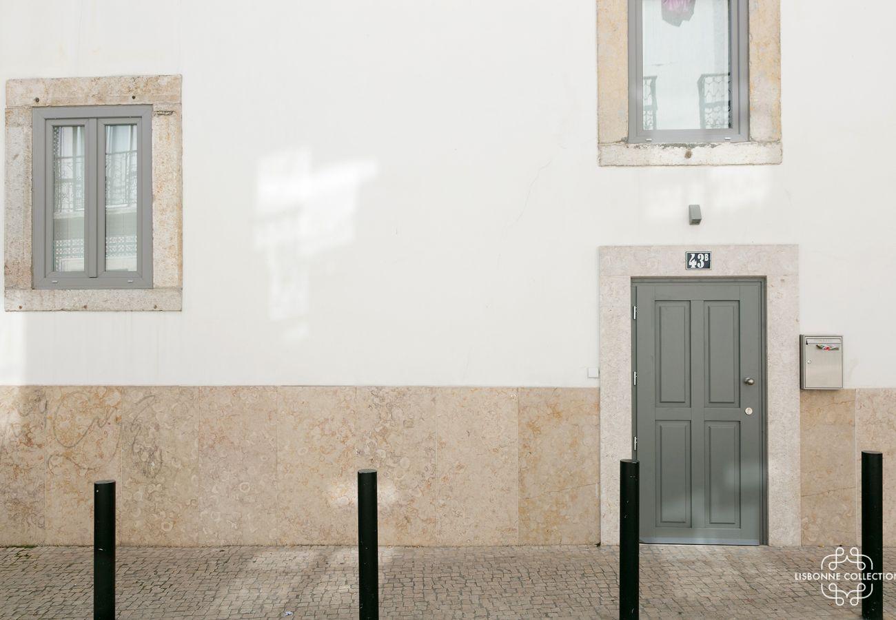 Porta de entrada para habitação de luxo para arrendamento para uma estadia em Lisboa