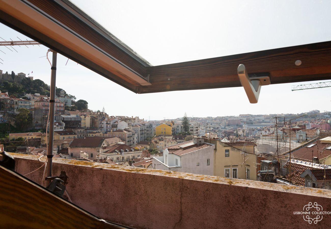 Apartamento em Lisboa - Trendy, Vintage with Castle View Apartment 44 by Lisbonne Collection