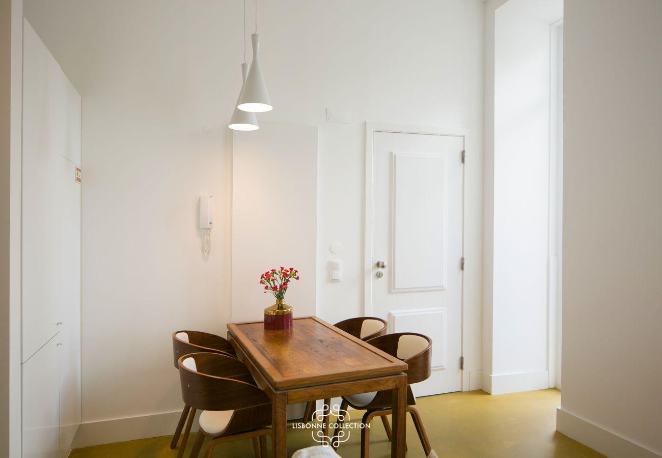 Mesa de design de madeira de prestígio para almoços de férias