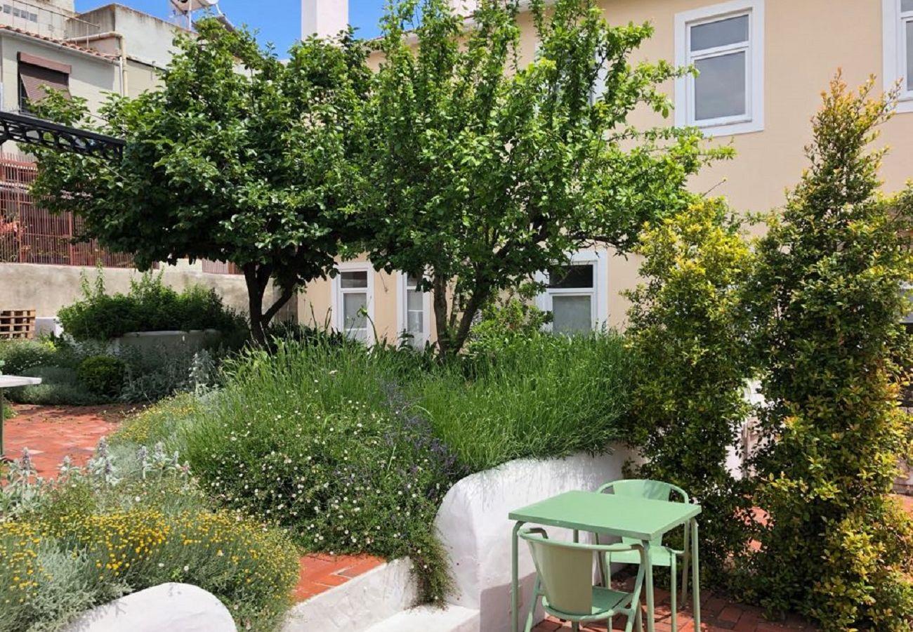 Apartamento em Lisboa - Garden Quiet and Cosy Apartment 30 by Lisbonne Collection