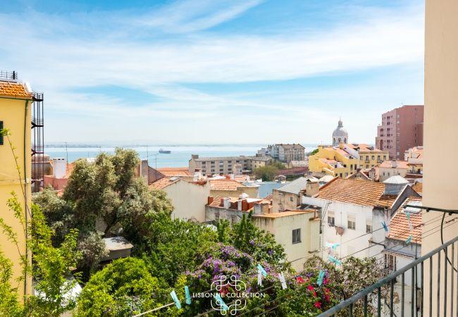 Apartamento em Lisboa - Graça River View with Balcony 47 by Lisbonne Collection