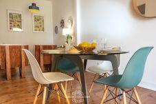 Apartamento em Lisboa - River View with Balcony Apartment 47 by...