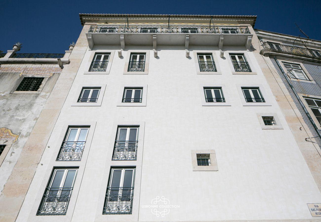 Frente do prédio onde o apartamento está localizado
