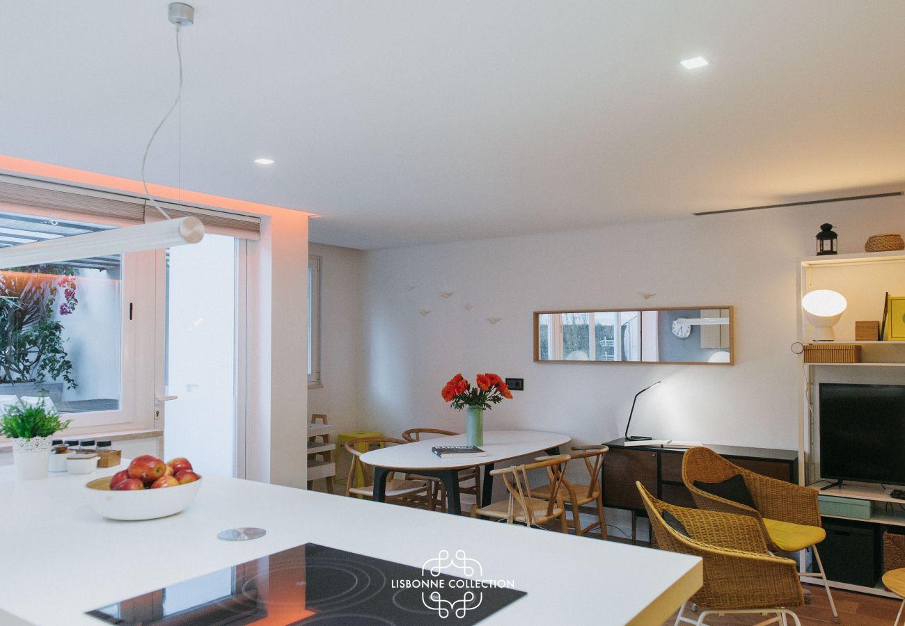 Sala de estar sala de jantar cozinha com 3 quartos 3 casas de banho para alugar