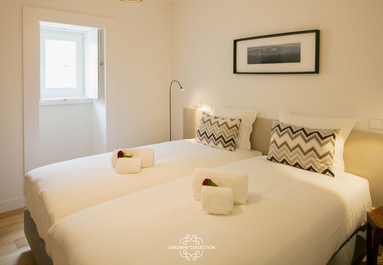 2 camas de solteiro coladas para fazer uma cama 2 lugares