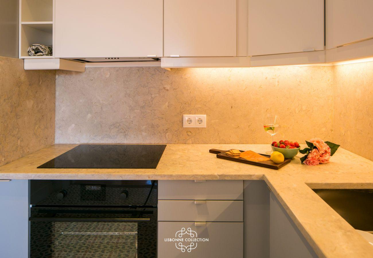 cozinha funcional com muito armazenamento