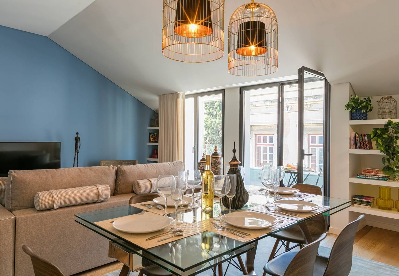 Apartamento em Lisboa - Very central and cool 2 bed apartment with balcony & parking 77 by Lisbonne Collection